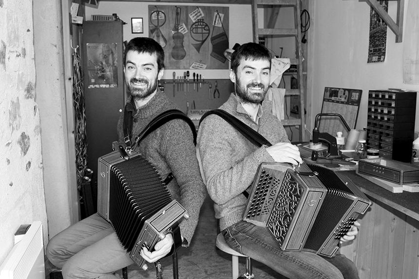 Camille et Clément Guais, dans leur atelier - Nébia Séri